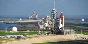 Twee Amerikaanse Space Shuttles op het Kennedy Space Center.